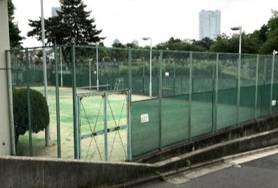もうひとつテニスコート